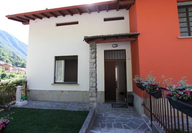 Apartment in Lezzeno - SOLE APARTMENT 013126 CIM 00012