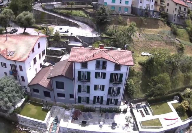 Apartment in Lezzeno - RESIDENCE GOMBALLO